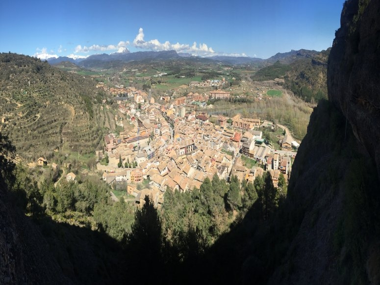 从Huesca的via ferrata观看