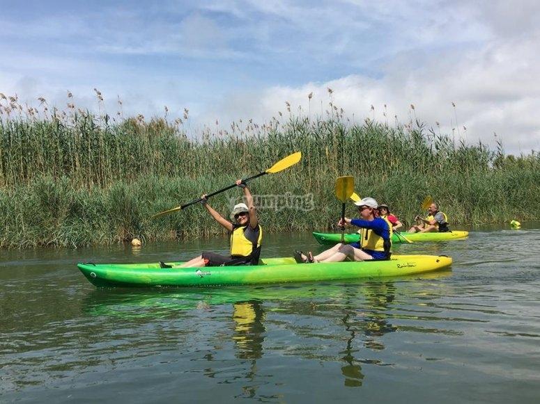 Grupo de kayaks en el Ebro