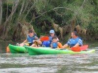 Excursión en kayak con niños