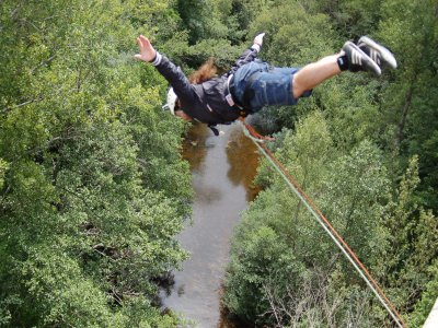 Bungee jumping with HD video Santelices