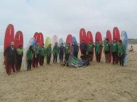 grupo de clientes de surf