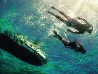 Fare il bagno nelle acque cristalline di Taranto