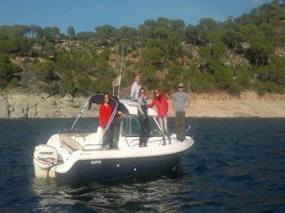Paseo en barco a motor con patrón, San Juan 8 h