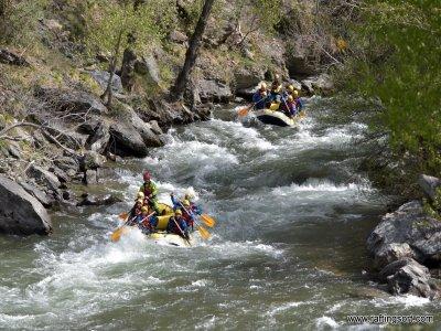 Rafting y actividad a elegir con estancia en Sort