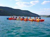 Kayak con las amigas en el embalse de Contreras