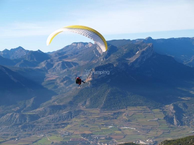 Volando en parapente con las mejores vistas