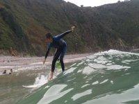 Studenti che praticano il surf a Cavedo