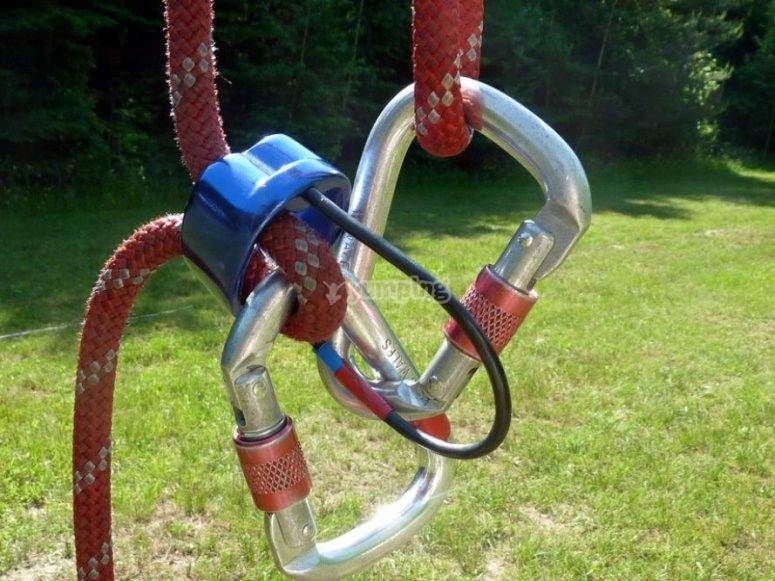 Elementos para el montaje de la tirolina