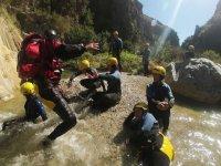 Llegando al cauce del río