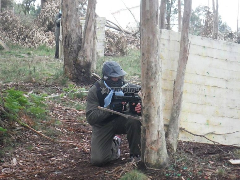 Paying paintball in Zapateira