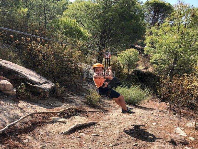 Tirolina para niños en la sierra de Madrid