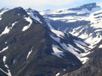 Restos de nieve en las cumbres