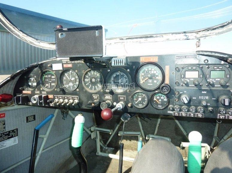 Panel de mandos del motovelero