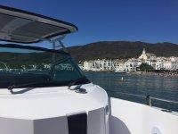 Avistando la costa desde la embarcación