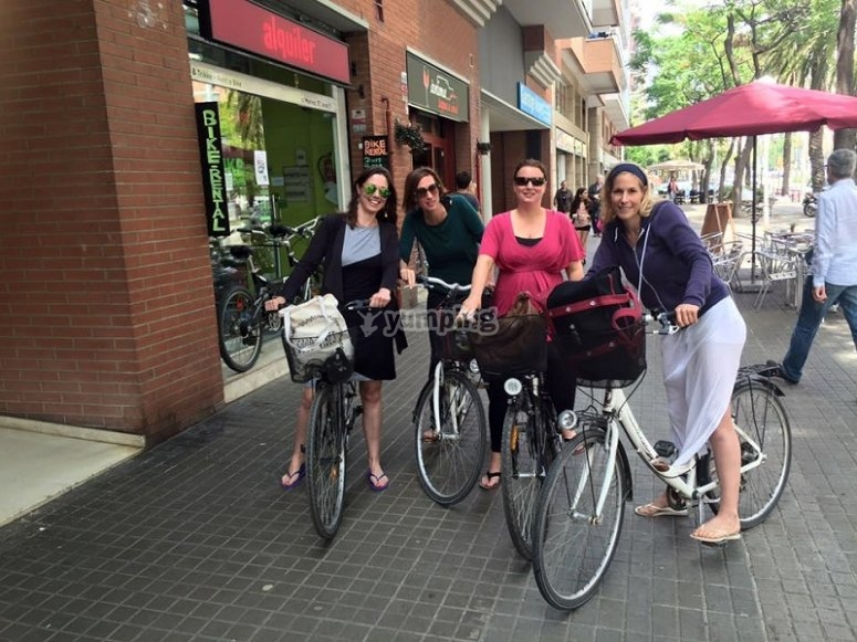 Drive a bicycle in Barcelona