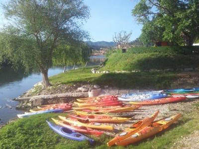 Noleggio di kayak in acque calme dell'Ebro