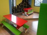 Mesas adaptadas para ellos