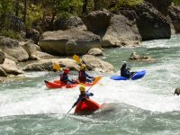 Tamo di rapide nei kayak