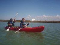 familias en kayaks