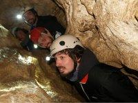 Amici nel cacciatore di grotte