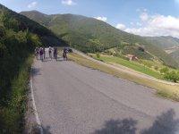 Ruta en bici por tramo asfaltado
