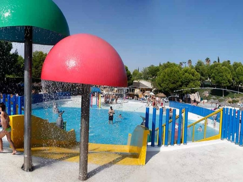 Installations of the water park of Vera