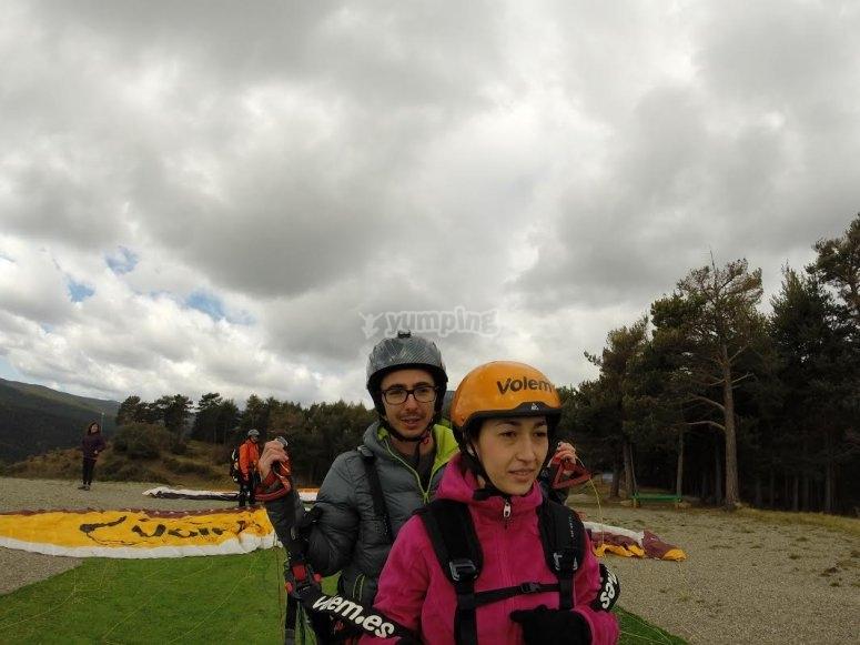 Passenger and paragliding pilot