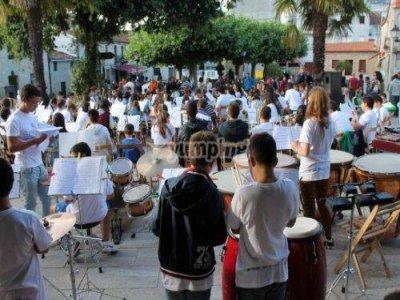 Campamento musical La Agolada de 9h a 20'30h.