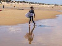 Campamento de surf para menores