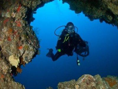 PADI开放水域潜水员在Puerto del Carmen