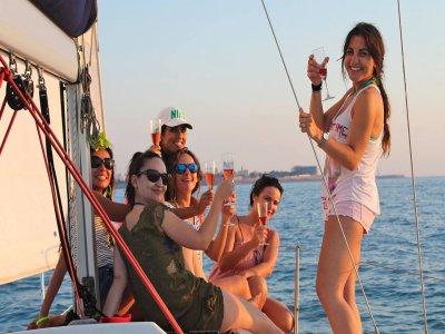 Despedida de soltera en velero Bahía Cádiz 3 horas