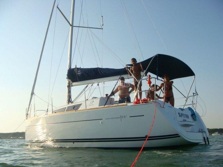Paseo en barco a primera hora