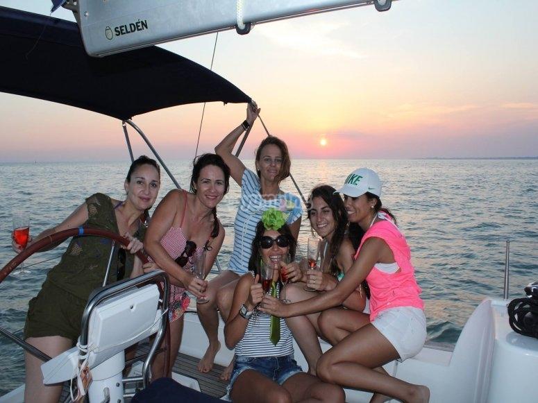 Paseo en velero al atardecer Bahía de Cádiz