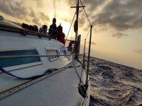 Navigazione nelle acque dell'Atlantico