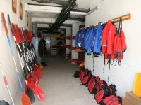 All the necessary equipment to practice the kayak