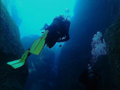 Alquiler de kayak y bautismo de buceo en Menorca