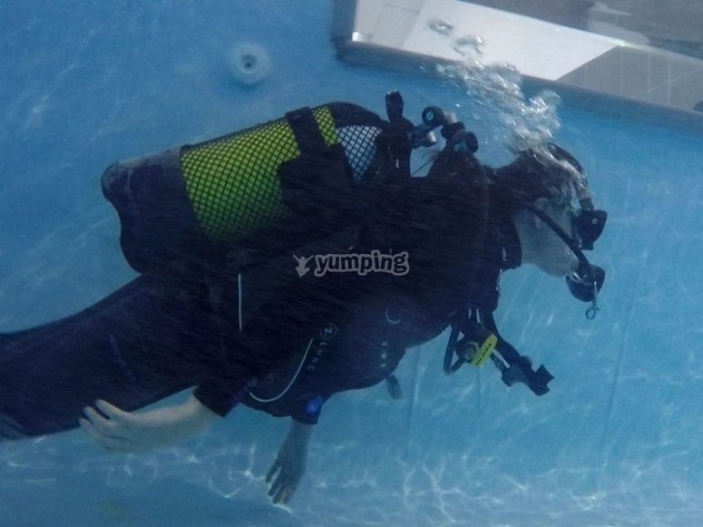 Scuba diving experience in moat of Fuenlabrada
