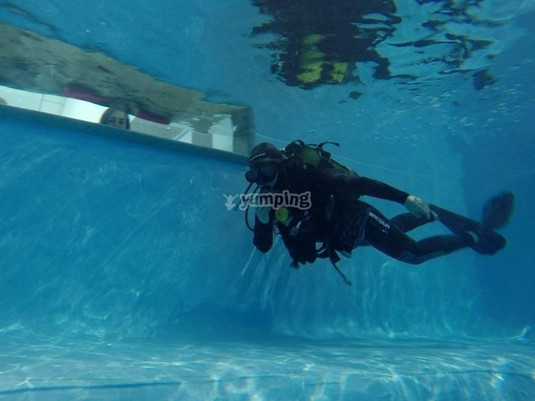 Diving session in moat in Madrid