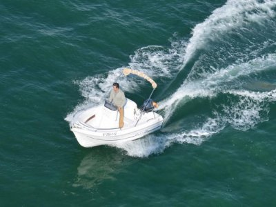 Motor Boat Rental in Barcelona - 2 hours
