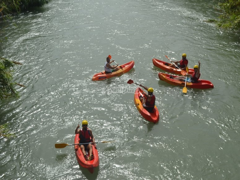 Kayaks in the Segura river