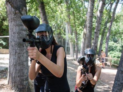 彩弹射击与100球在AlcaládelJúcar