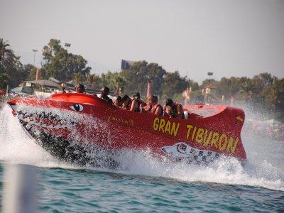 Sesión en jet boat y 4 hinchables en Torremolinos