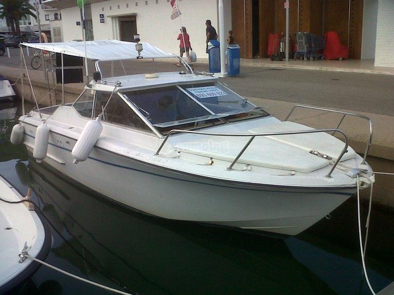 Barco para salir a pescar
