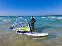 Con el equipo de windsurf