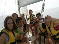 Alumnos en el velero