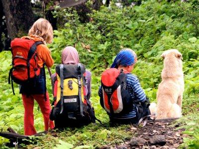 在比利牛斯山脉徒步旅行,儿童特价