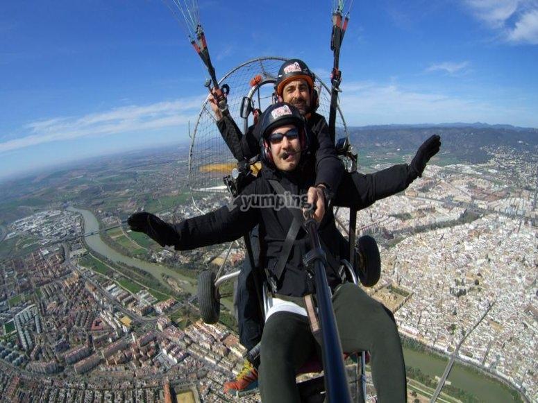 Durante il volo per paracadutismo