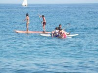 sup board en el mar