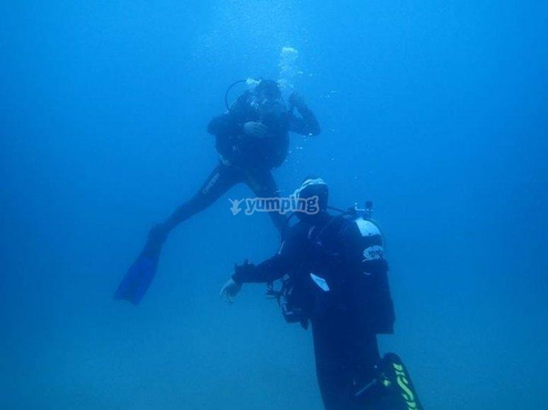 潜水下降施洗