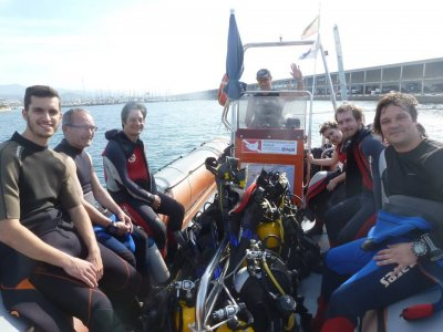Discover Scuba Diving (PADI) from a boat, Mataró
